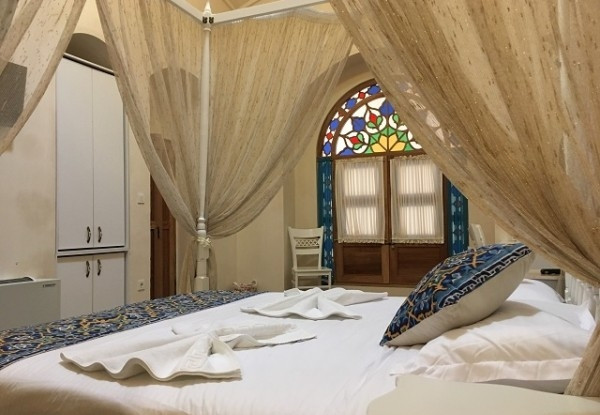 هتل آریانا